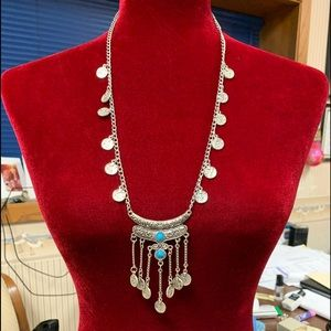 Jewelry - Silver coin look necklace with faux turquoise